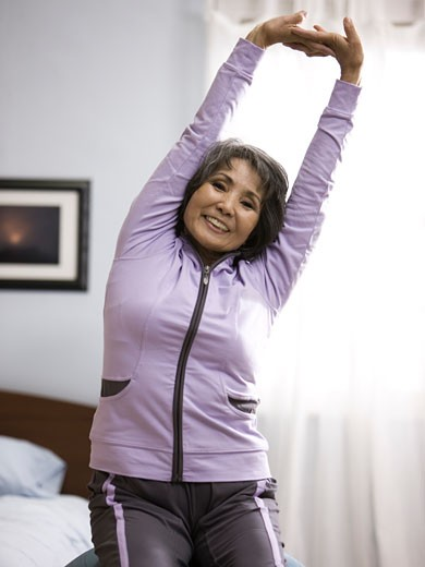 Stock Photo: 1660R-40688 senior woman working out