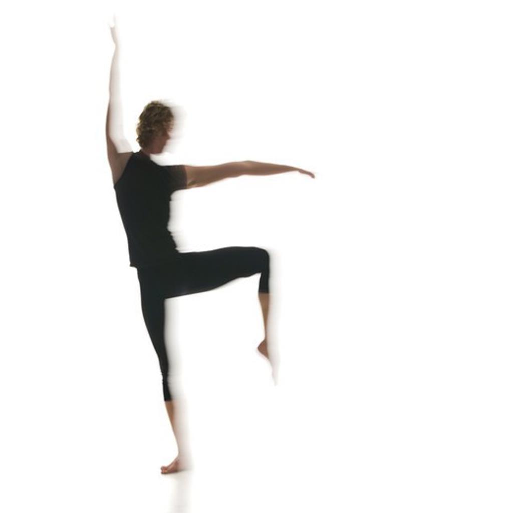 Stock Photo: 1660R-51090 Silhouette of ballet dancer