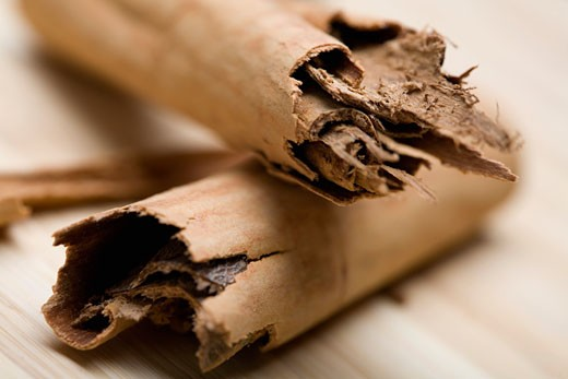 Close-up of a broken cinnamon sticks : Stock Photo