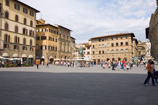 Stock Photo: 1663R-29138 Tourists in front of a palace, Cosme I de Medicis, Pallazo Vecchio, Florence, Italy