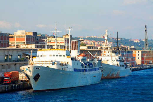Ships moored at the dock, Istanbul, Turkey : Stock Photo
