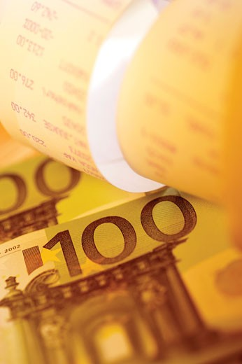 Close-up of one hundred Euro banknotes : Stock Photo