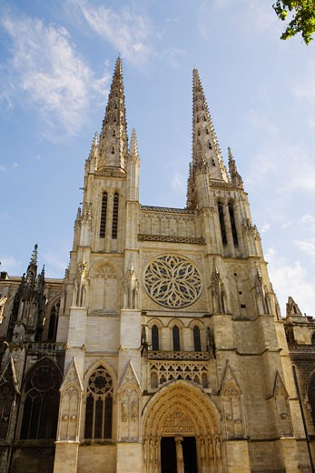 Facade of a church, St. Andre Cathedral, Bordeaux, Aquitaine, France : Stock Photo
