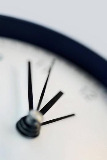 Close_up of an alarm clock : Stock Photo