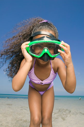 Portrait of a girl wearing a scuba mask : Stock Photo