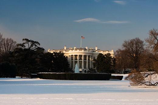 Stock Photo: 1663R-7672 Facade of a government building, White House, Washington DC, USA
