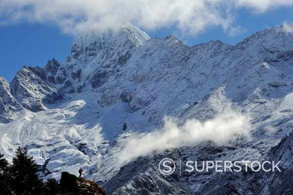 Stock Photo: 1669-33140 Thamserku mountain range in Nepal