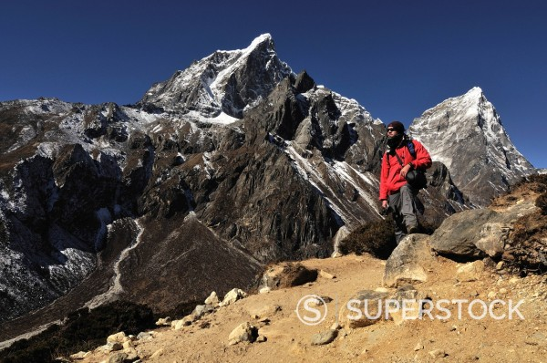 Stock Photo: 1669-33145 hiker on mountain in Nepal