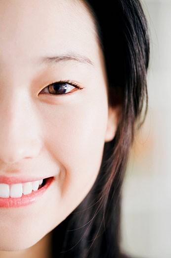 Stock Photo: 1669R-11882 headshot of young japanese girl