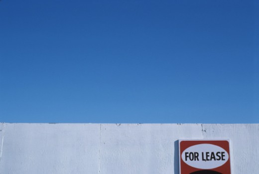 Stock Photo: 1672R-10447 For lease sign on wall