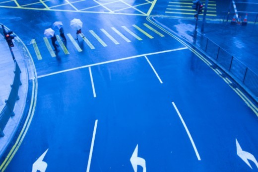 Stock Photo: 1672R-11751 China, Hong Kong, pedestrians walking over crossing, elevated view