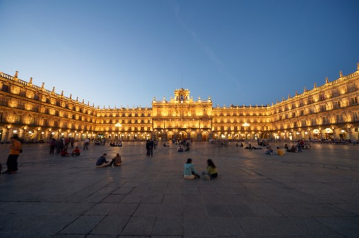 Spain, Castilla y Leon, Salamanca, Plaza Mayor, dusk : Stock Photo