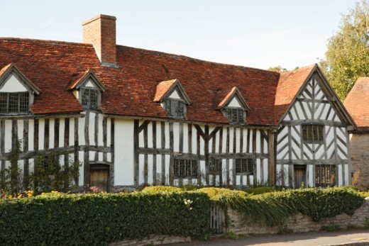 A tudor farmhouse in the village of Wilmcote, three miles from Stratford, where Shakespeare's mother, Mary Arden, lived before her marriage. : Stock Photo