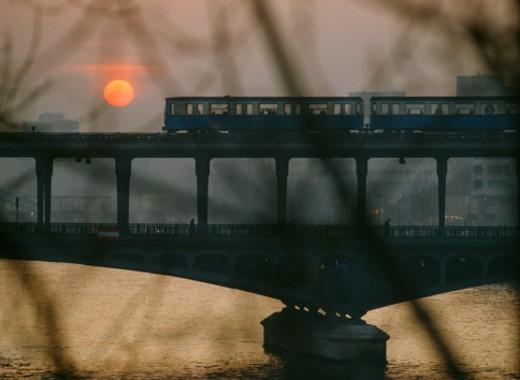 Stock Photo: 1672R-24690 France, Paris, subway train crossing bridge over Seine river