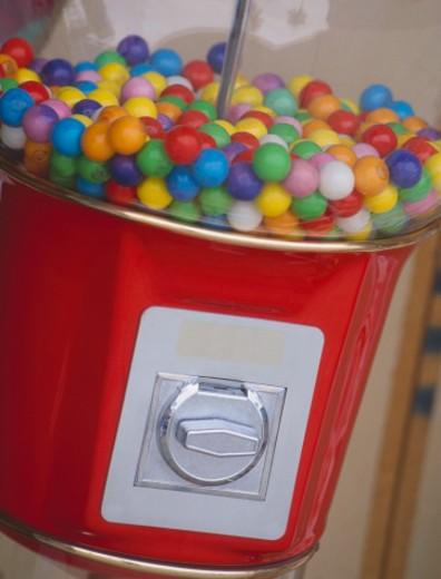 Stock Photo: 1672R-24861 Gumball machine, close-up