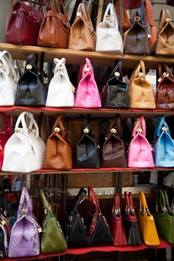 Stock Photo: 1672R-29755 Florence public market, leather italian made women's handbags for sale