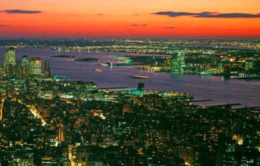 Lower Manhattan looking to New Jersey : Stock Photo