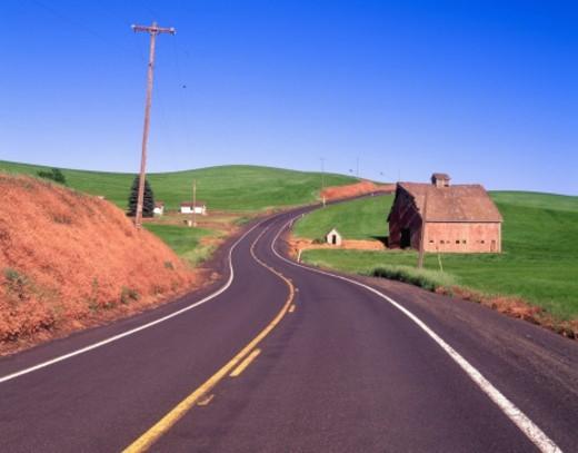 USA, Washington, Palouse, barn on country road : Stock Photo