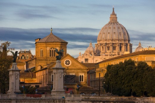 Stock Photo: 1672R-33868 early morning light on the dome of St Peter's Basilica with Ponte Vittorio Emanuele in foreground