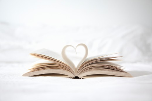Stock Photo: 1672R-37810 Pages of book forming a heart shape