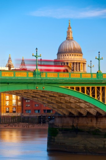 Stock Photo: 1672R-40823 London, St. Paul's Cathedral and Southwark Bridge