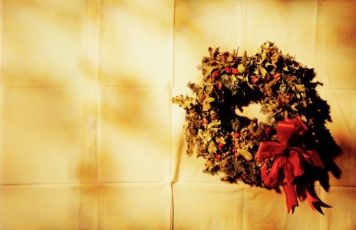 Stock Photo: 1672R-50473 Christmas wreath on canvas background.