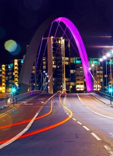 Stock Photo: 1672R-50750 Finnieston bridge illuminated at night