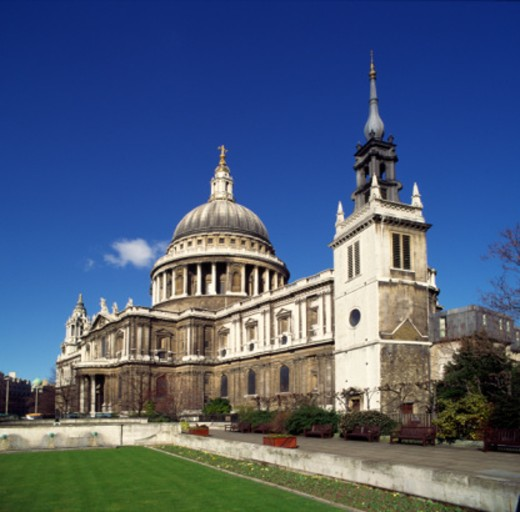 England, London, exterior of St Paul's Cathedral, south east aspect : Stock Photo