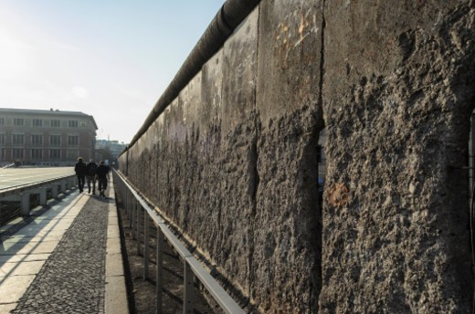 Stock Photo: 1672R-62712 Remnants of the Berlin Wall