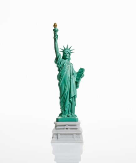 Stock Photo: 1672R-62774 Statue of Liberty figurine