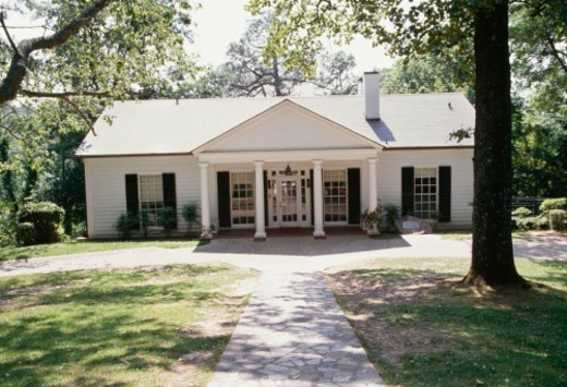 Stock Photo: 1672R-64559 Franklin Delano Roosevelt's personal retreat in Georgia, now a museum.