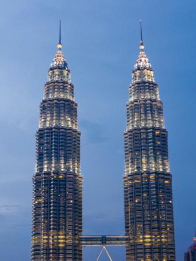 Stock Photo: 1672R-76581 Petronas Twin Towers, Kuala Lumpur, Malaysia