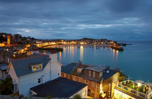 View over the harbour of St Ives at night : Stock Photo