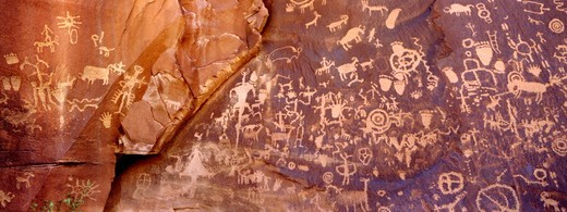 Stock Photo: 1672R-83372 Newspaper Rock petroglyphs, Utah