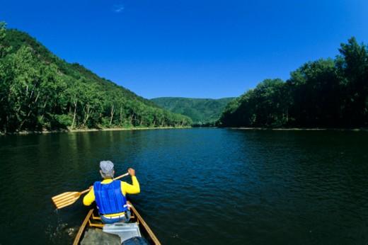 Stock Photo: 1701R-7002 Potamac river, between West Virginia and Maryland.