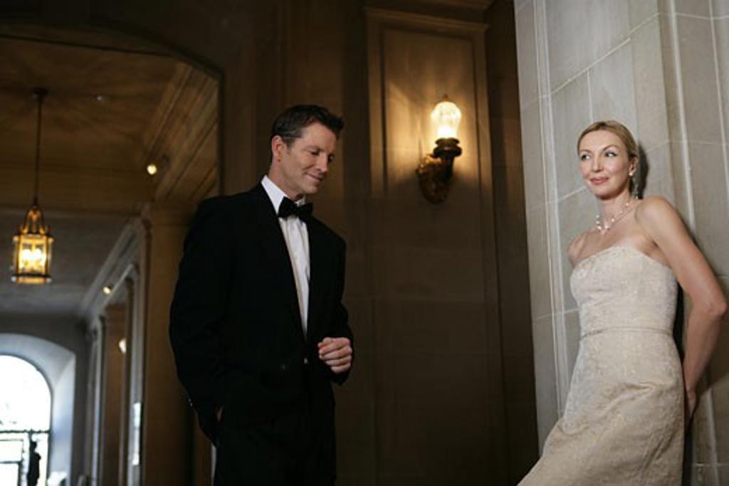Boomer couple in elegant attire : Stock Photo