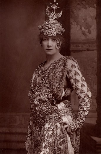Stock Photo: 1746-127 Sarah Bernhardt, (1844-1923), French actress. From The Cabinet Portrait Gallery (London, 1890-1894). Woodburytype after photograph by W&D Downey