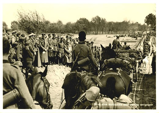 Stock Photo: 1746-1353 German troops advance into Poland, September 1939, World War II