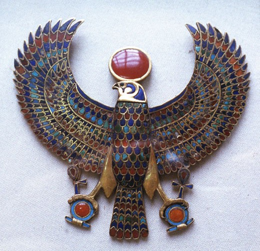 Stock Photo: 1746-1494 Pectoral jewel from treasure of Tutankhamun showing falcon headed god with sun disk (Aton)