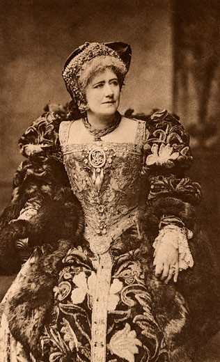 Ellen Alice Terry, (1847-1928), English actress, here as Queen Katherine in the play Henry VIII by William Shakespeare. Photogravure c.1895 : Stock Photo
