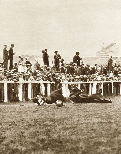 Emily Davison (1872-1913), English suffragette throwing herself in front of George V's horse Anmer at the Epsom Derby, Surrey, England, June 4, 1913 : Stock Photo