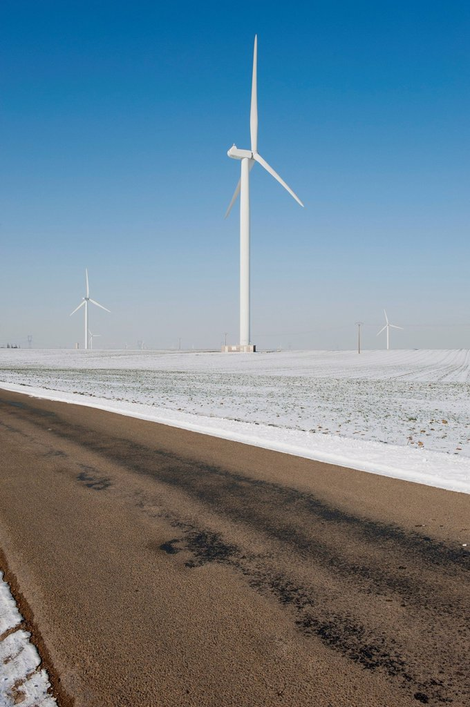 Stock Photo: 1747R-18011 Wind turbines in field