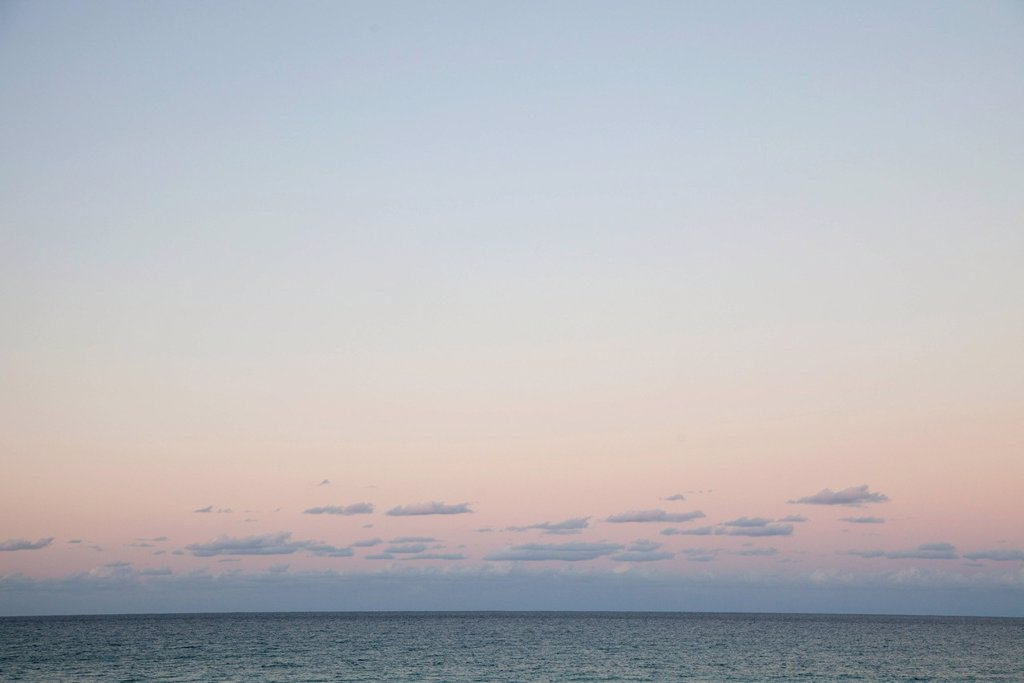 Stock Photo: 1747R-18334 Sunrise over sea