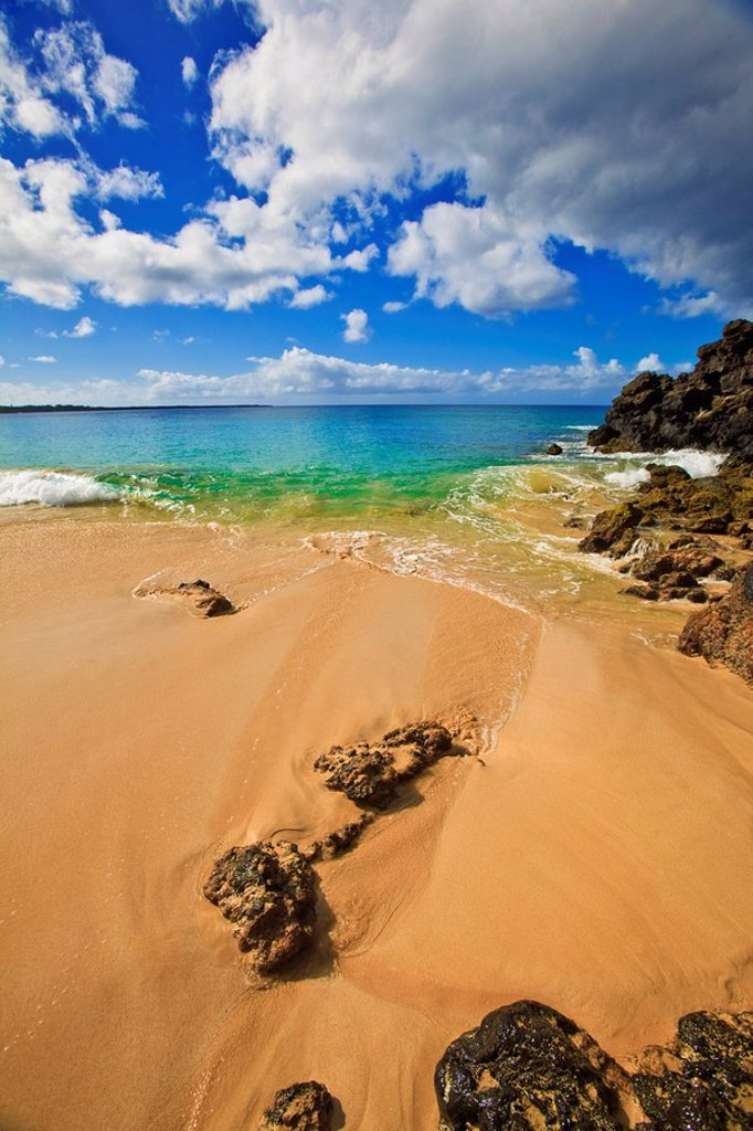 Stock Photo: 1760-11181 HHawaii, Maui, Makena State Park, Oneloa or Big Beach.