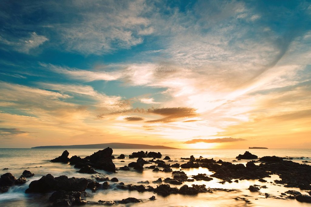 Stock Photo: 1760-12415 Hawaii, Maui, Makena, Dramatic vibrant sunset at Ahihi Kinau Natural Area Preserve