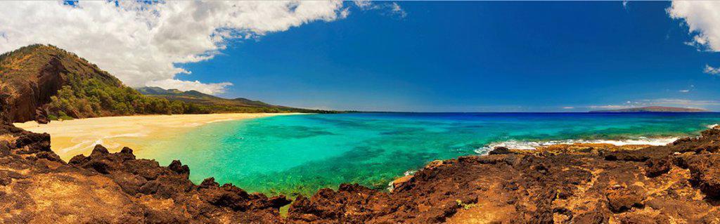 Hawaii, Maui, Makena, Panoramic view of Makena Beach also known as Big Beach : Stock Photo