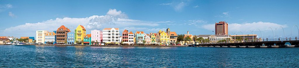Caribbean, Curazao, The scenic Punda side of Willemstad Harbor is a Curacao national iconic symbol. : Stock Photo