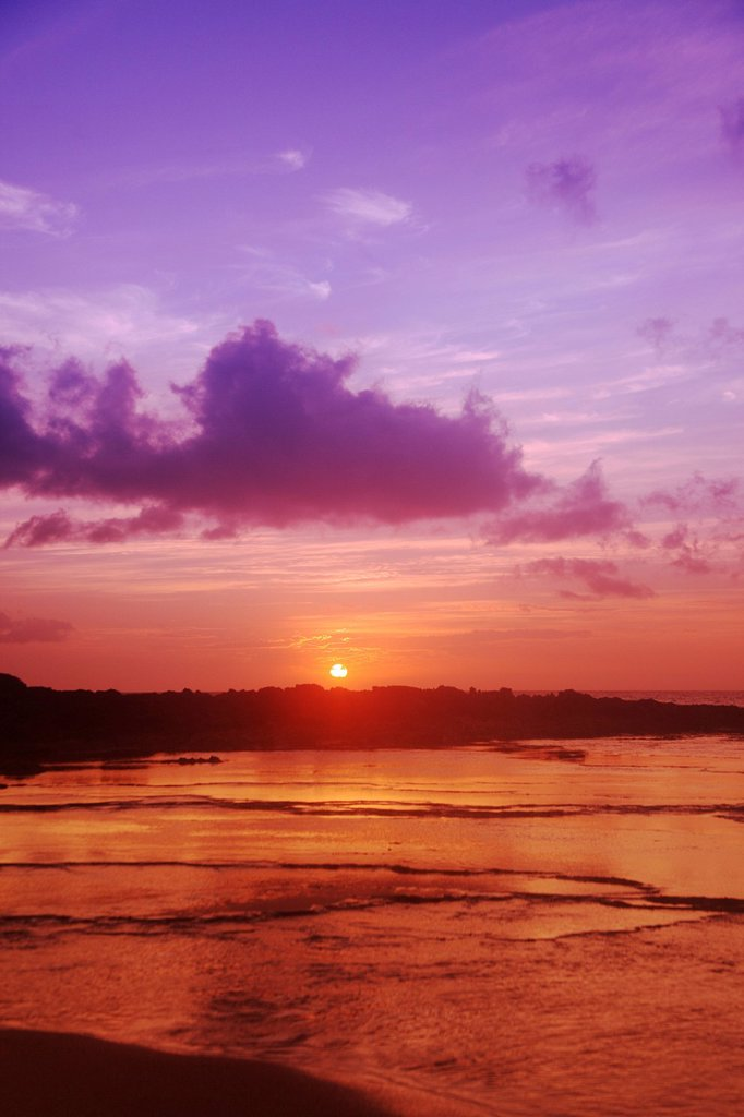 Stock Photo: 1760-13485 Hawaii, Purple and orange sunset over coast.