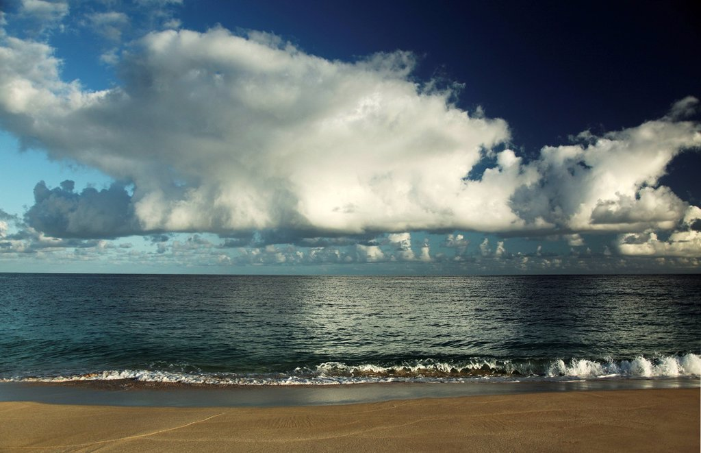 Stock Photo: 1760-13539 Hawaii, Big white clouds above ocean.