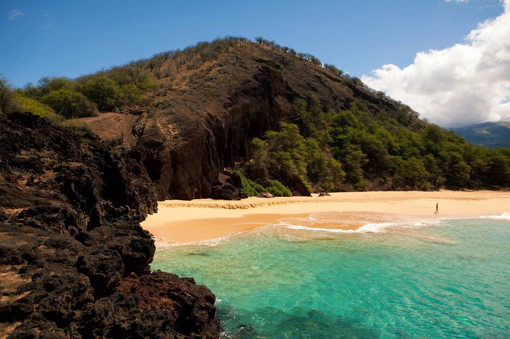 Stock Photo: 1760-15825 Hawaii, Maui, Makena Beach, Rocky cliffs on the shore. EDITORIAL USE ONLY